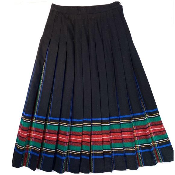 Pendleton Long Pleated Wool Black W/Plaid  Midi